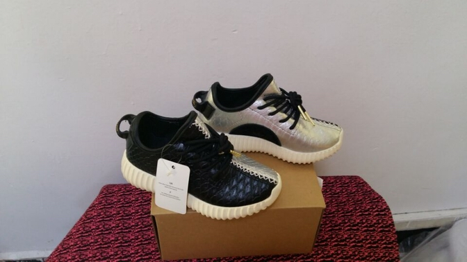 kid air yeezy 350 boost-001