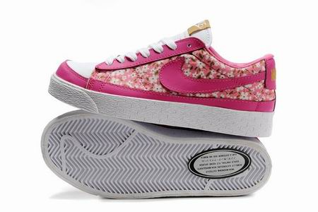 women Low Top Nike Blazers-019