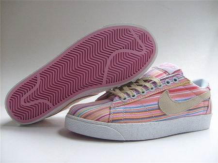 women Low Top Nike Blazers-027